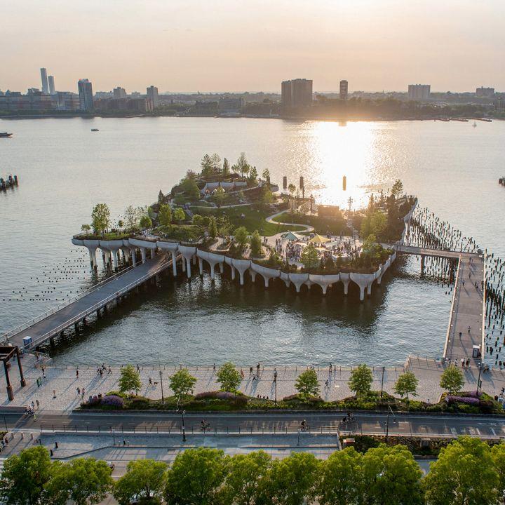 Little Island: petite île artificielle installée à New York - Architecture -                     Luxe radio
