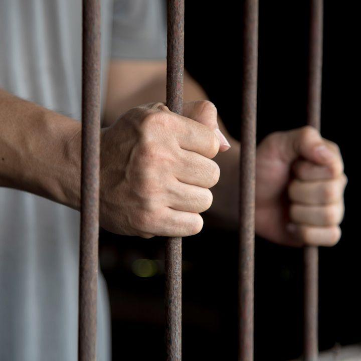 La prison a ses raisons que la raison ignore… - Les Chroniques -                     Luxe radio