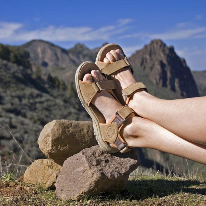 La sandale sporty : une tendance hybride - Mode -                     Luxe radio