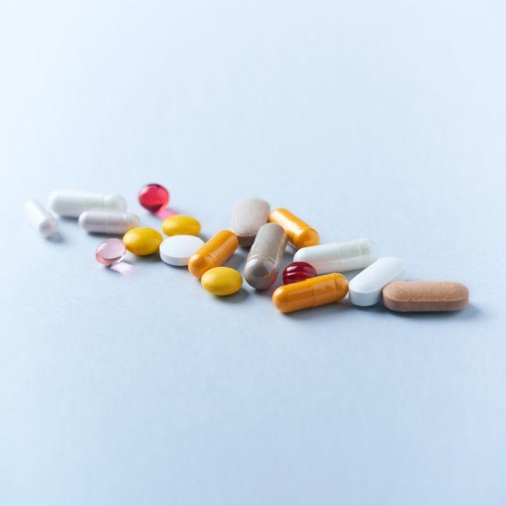 Traitement hormonal de la ménopause : est-ce toujours d'actualité ? - Les Invités de Heure Essentielle -                     Luxe radio